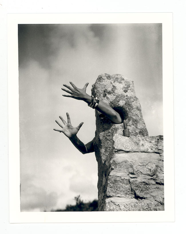 Claude Cahun, Je Tends Les Bras , 1931 Courtesy and copyright Jersey Heritage